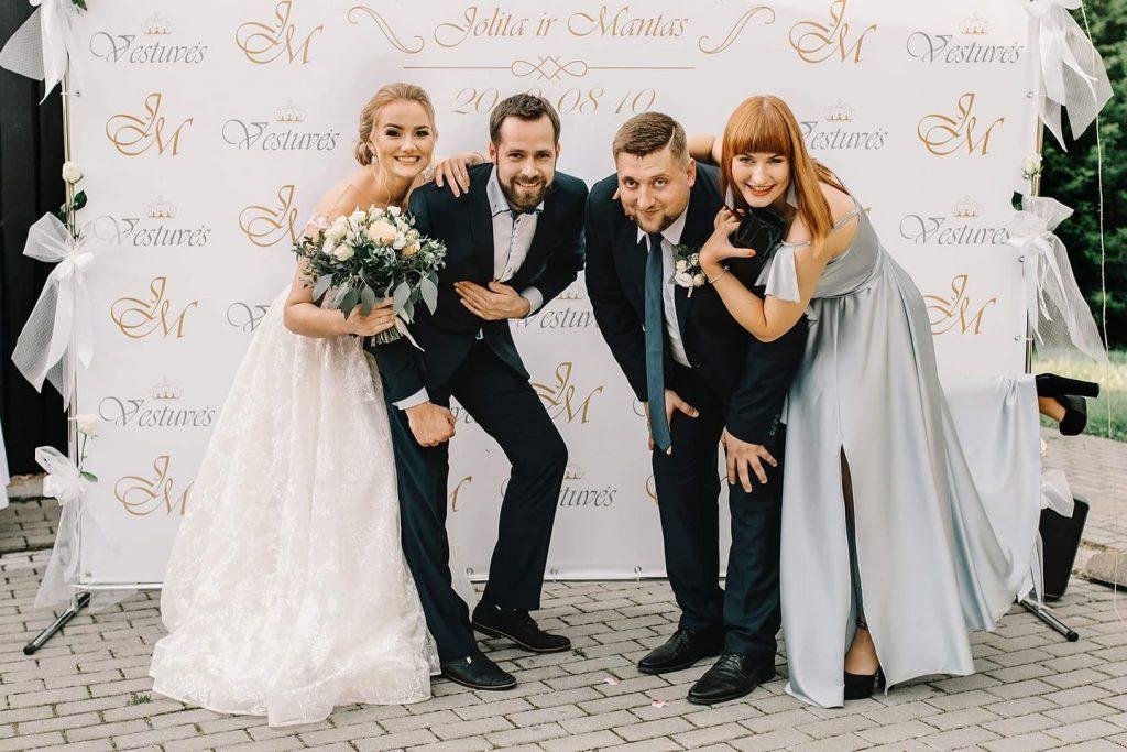Fotosienelė vestuvėms | Fotosienelių nuoma - Spalvotareklama.lt